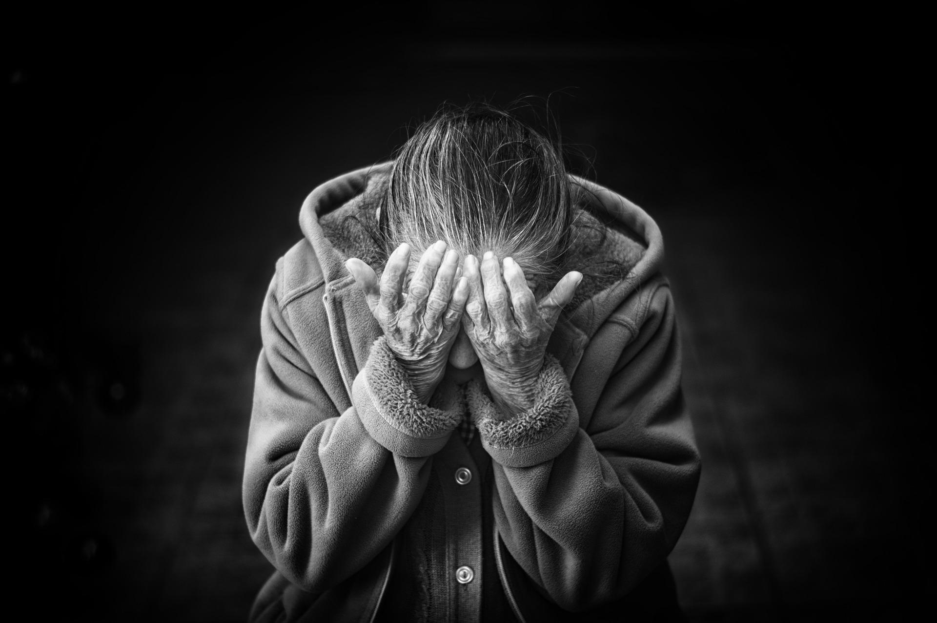 abusi sugli anziani
